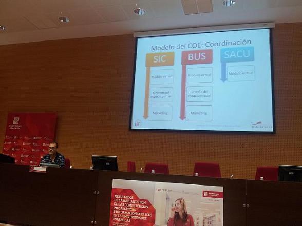 Juan Antonio ante diapositiva