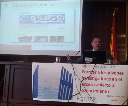 Con diapositiva sobre editoriales en abierto