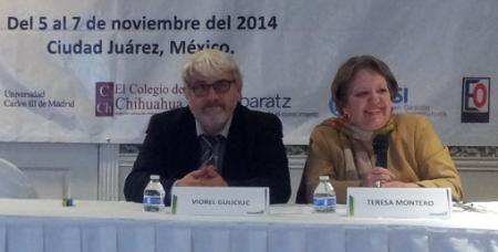 El ponente y quien le presentó y ayudó a poder expresarse en nuestro idioma