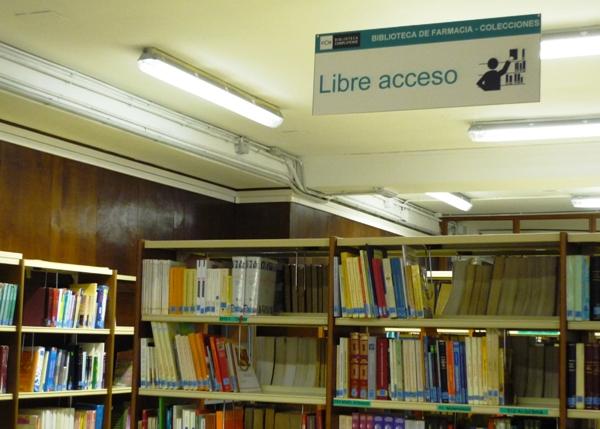 Biblioteca de Farmacia. Cartel de Libre Acceso