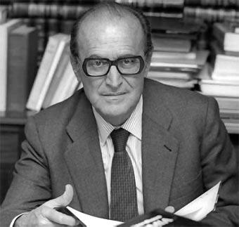 Enrique Fuentes Quintana: Exposición 75 aniversario de la Facultad 1944-2019