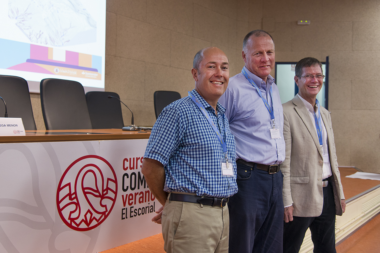 Greg Hancock, Rod Eckels y Nicholas Bugosh tras la inauguración del curso Landform design and modelling for best practise in mine rehabilitation