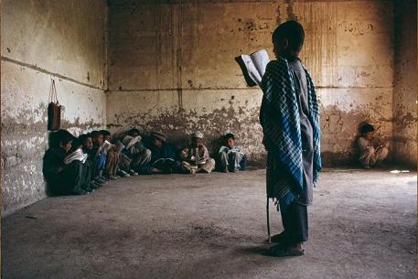 pegados a la pared, en Afganistán