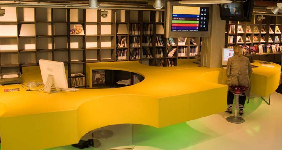 Mostrador de información en Biblioteca de Delft