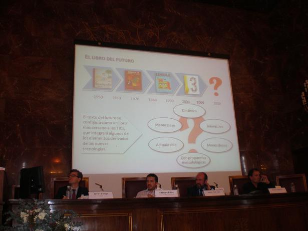 Presentación de Eduardo Picón tras los participantes